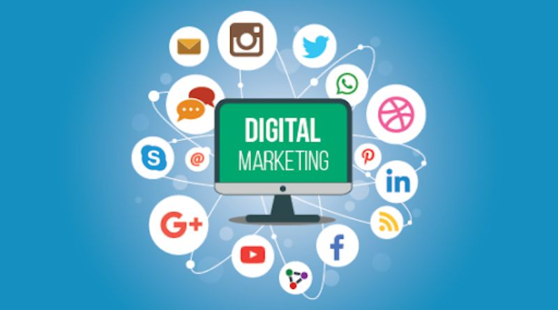 7 Ways to Become the online marketing specialist